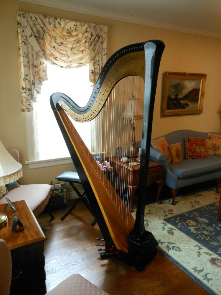 beautiful lyon healy concert grand pedal harp for sale ebay. Black Bedroom Furniture Sets. Home Design Ideas