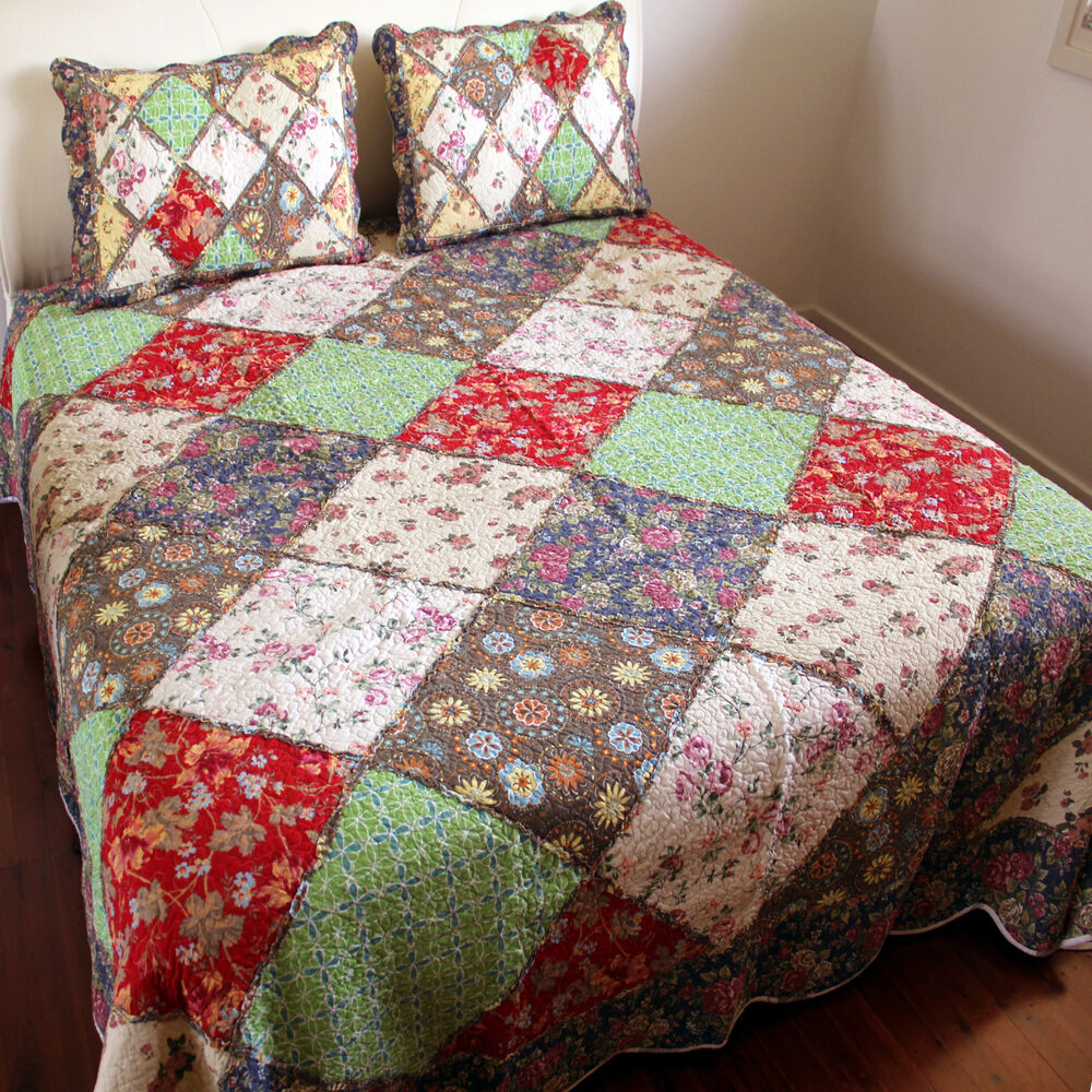 Quilts and Bedspreads Bed quilts have long held a place in Southern, French Country, and shabby chic design schemes, but many designers have begun to offer this beloved bedspread in a variety of other styles as well, suiting almost any home.