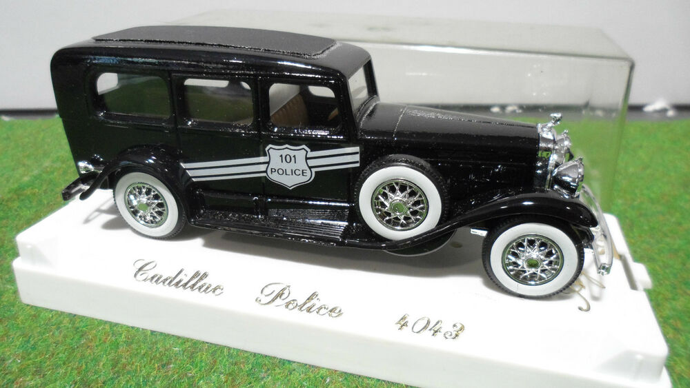 cadillac police nr 1 43 age d 39 or solido france 4043 voiture miniature collection ebay. Black Bedroom Furniture Sets. Home Design Ideas