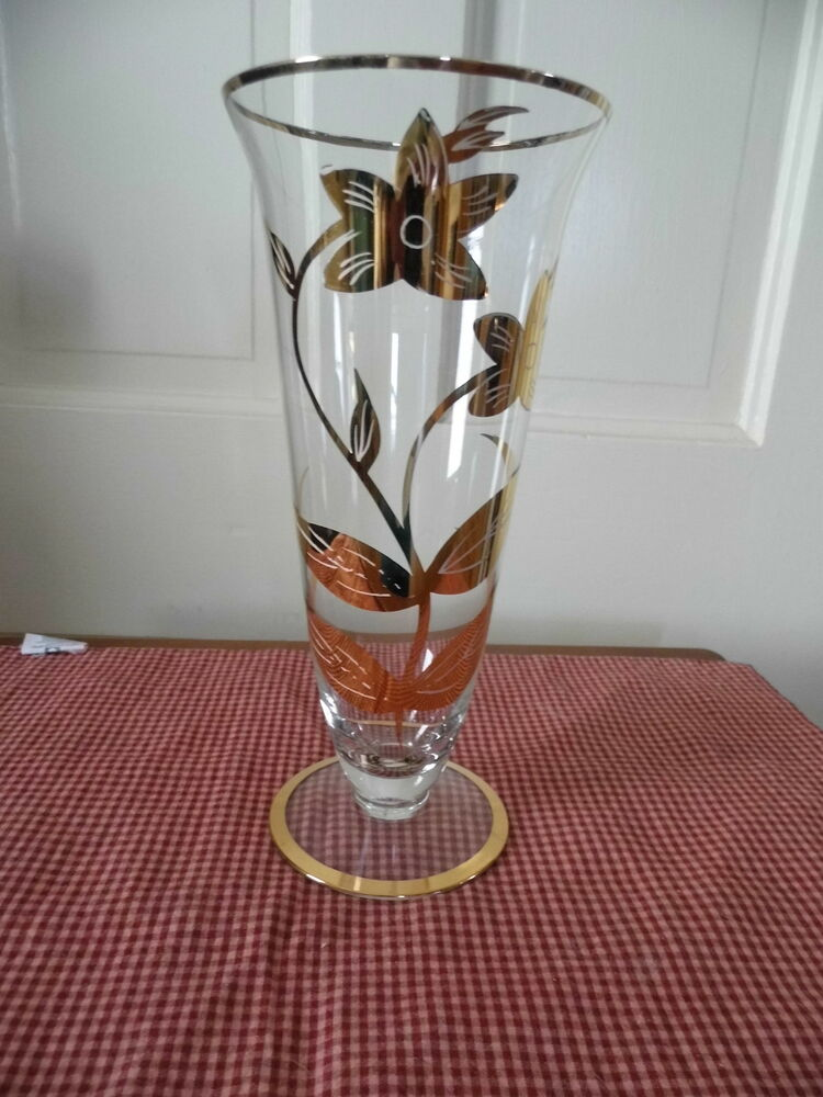 10 clear glass footed trumpet vase with gold flowers and. Black Bedroom Furniture Sets. Home Design Ideas