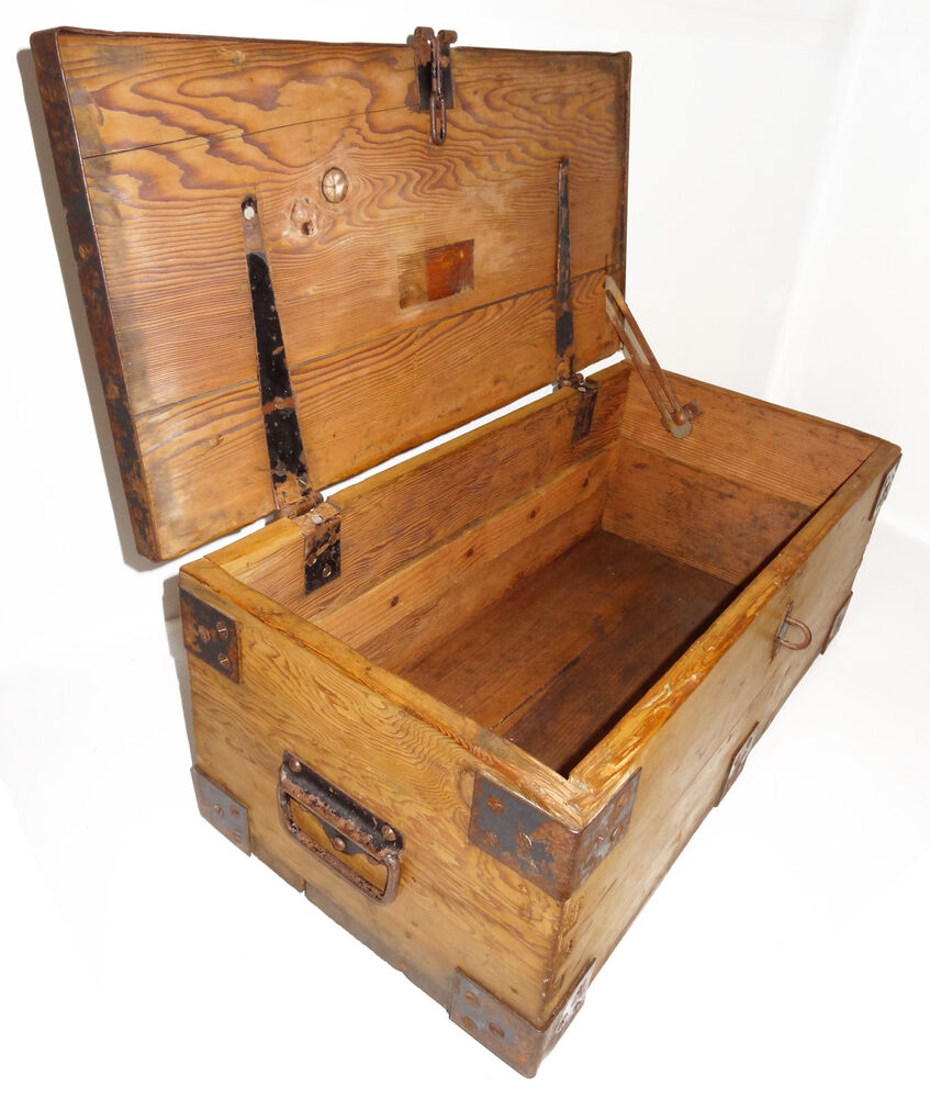 Antique vintage solid oak wooden trunk box travel chest for Old chest coffee table