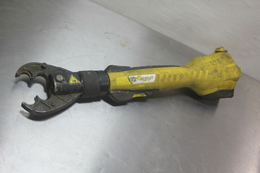 Stanley Hydraulic 6 Ton Cordless 14 4v Crimper Tool Bc06
