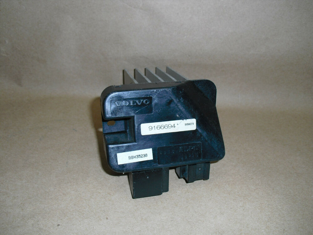 S L on 2000 Volvo S70 Air Conditioning