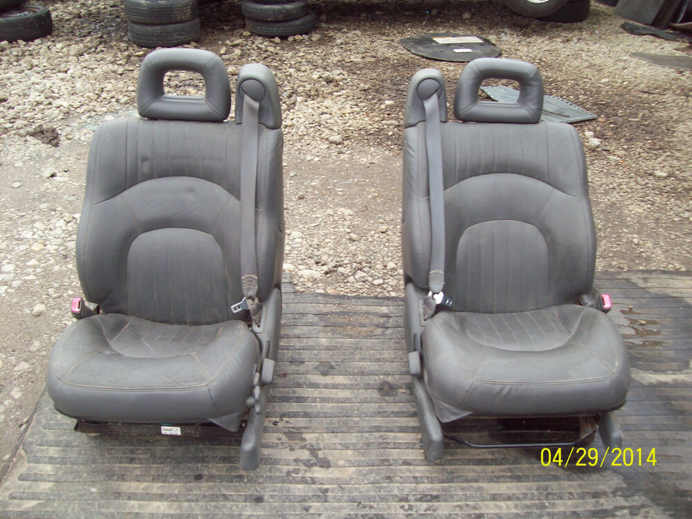 00 01 02 03 04 05 pontiac bonneville leather front seats ebay. Black Bedroom Furniture Sets. Home Design Ideas