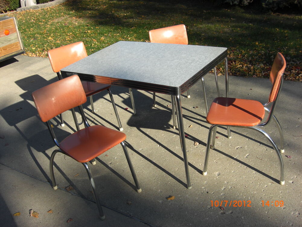 vintage 1940 s 1950 s kitchen table 4 chairs antique