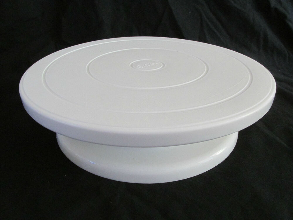 DAMAGED Wilton White Plastic Small Cake Stand Lazy Susan ...