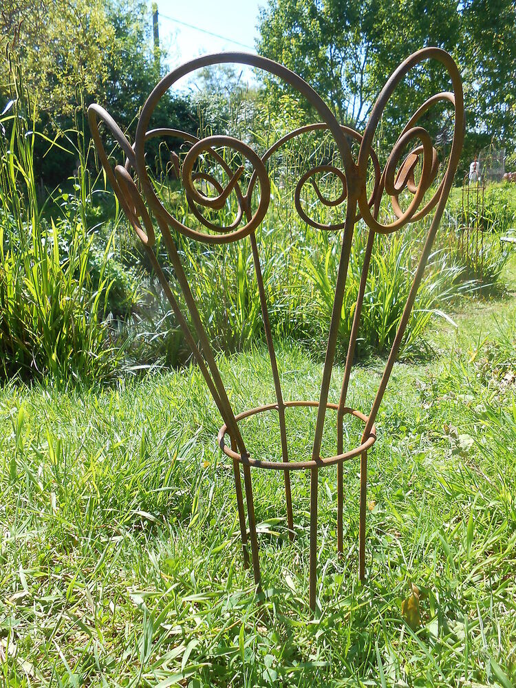 Garden plant support handmade antique style rusty metal for Decorative plants for garden