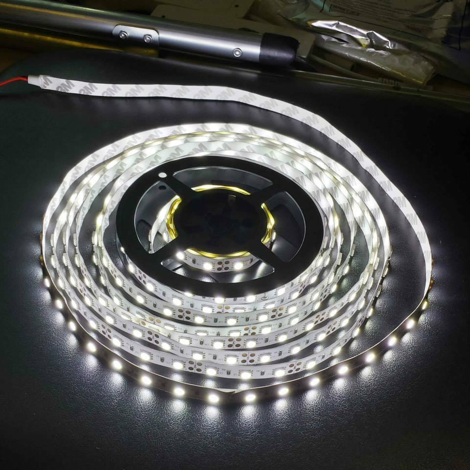 nwp 12v cool white 5m 3528 smd 300 leds led strips led. Black Bedroom Furniture Sets. Home Design Ideas