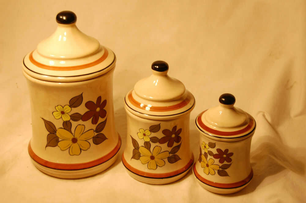 ceramic kitchen canisters vintage ceramic canisters flower pattern three piece set