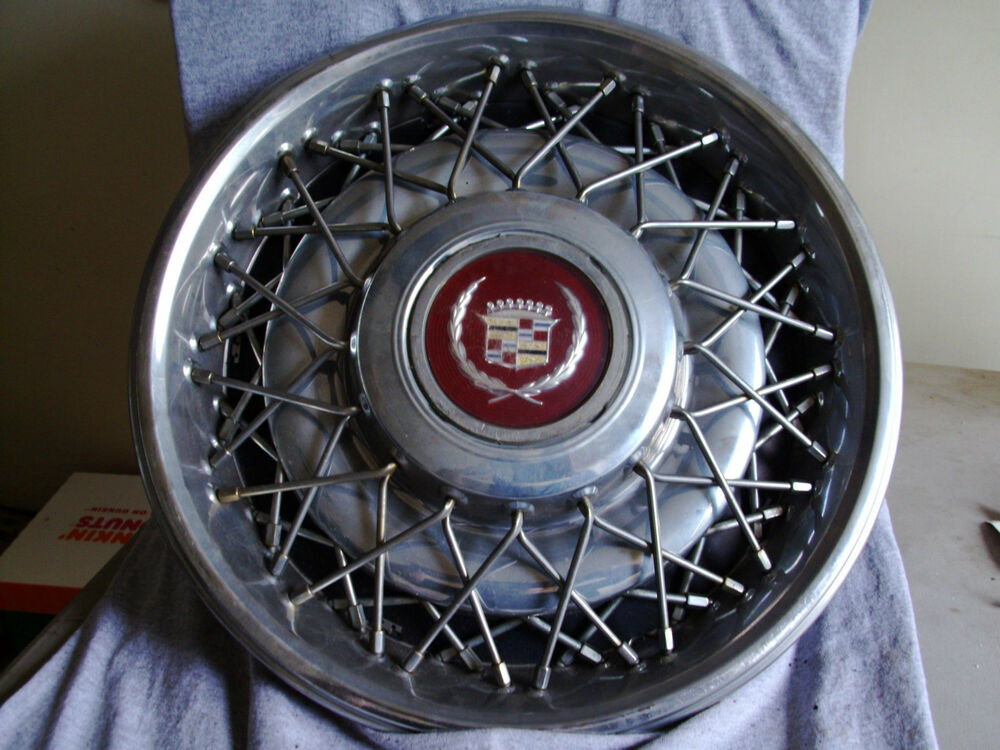 "Truck Caps For Sale >> 88 89 90 91 92 CADILLAC WIRE WHEEL HUB CAP 15"" CENTER CAP 10201267 