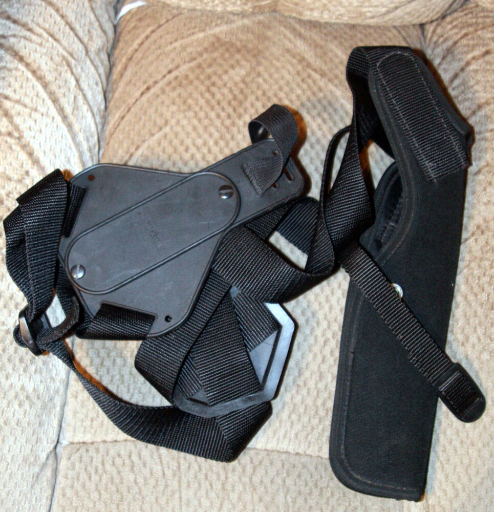 Used Uncle Mike's Size 5 Shoulder Holster Vertical Carry B ...