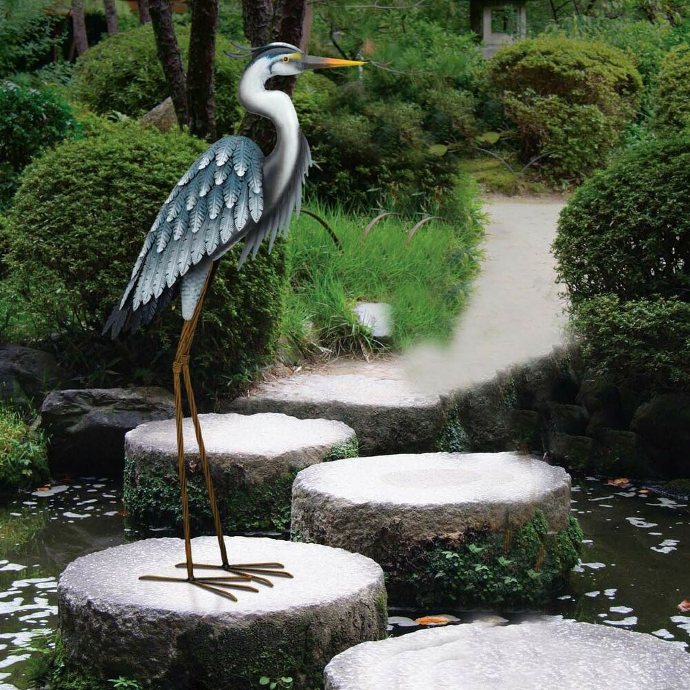 Metal heron stake sculpture 3d yard art decor lawn patio for Wire yard art