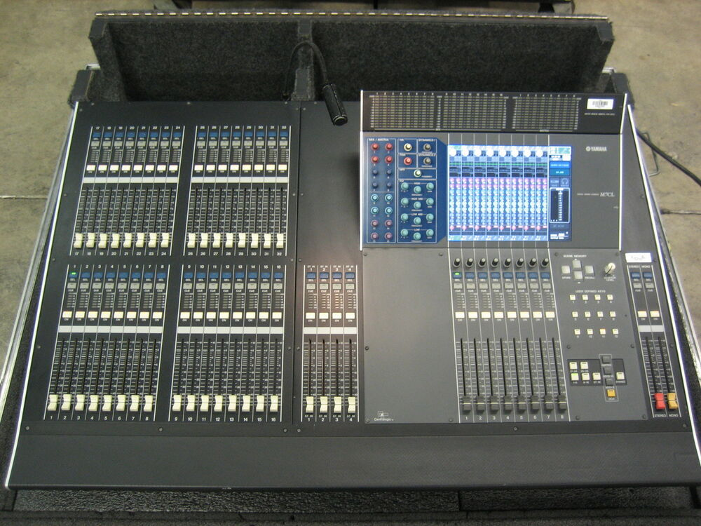 Yamaha m7 32 32 channel audio console in road case ebay for Yamaha sound console