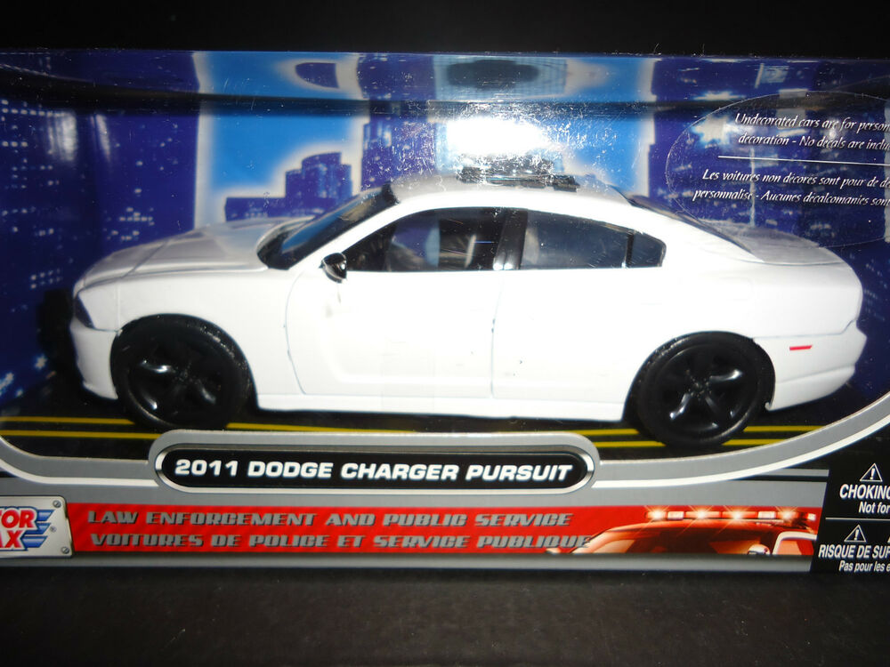 Motormax Dodge Charger Police Pursuit 2014 White Unmarked