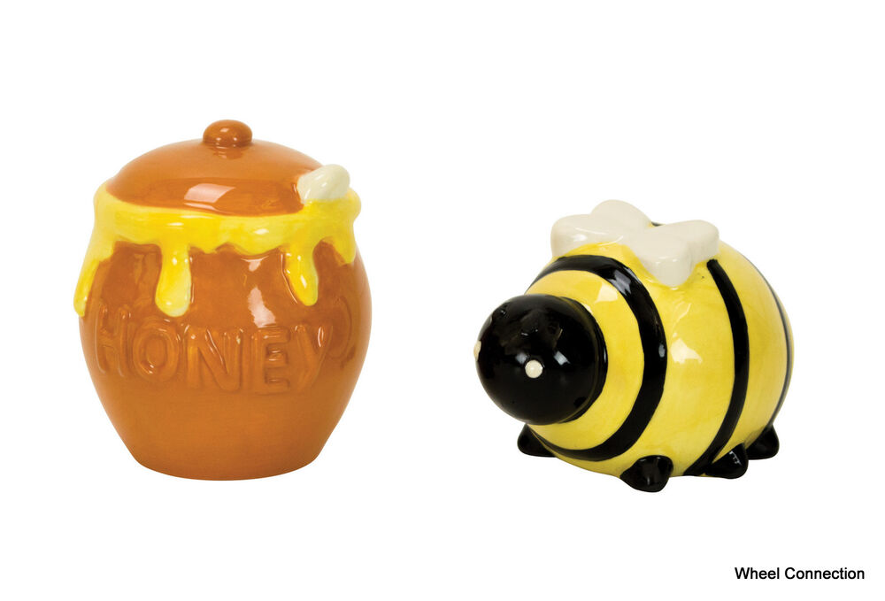 Salt and pepper shakers bee honey pot kitchen country for Honey bee decorations for your home