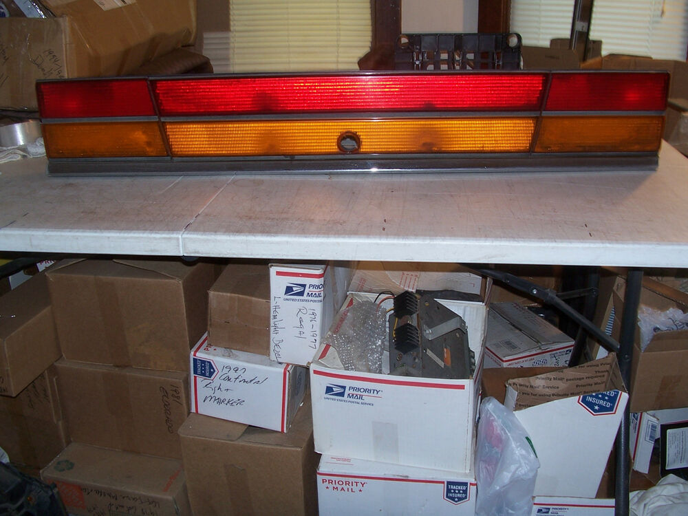 1993 1994 1995 lebaron convertible center trunk taillight - Convertible center ...