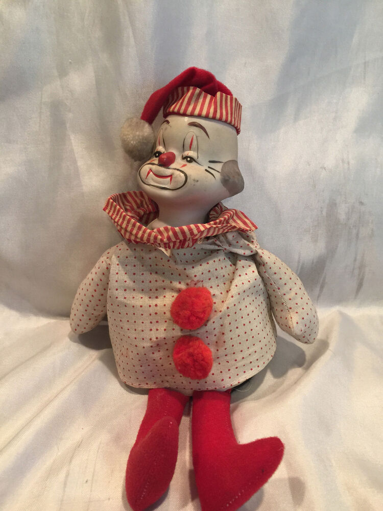 Collectible Vintage Mantle Porcelain Musical Clown With