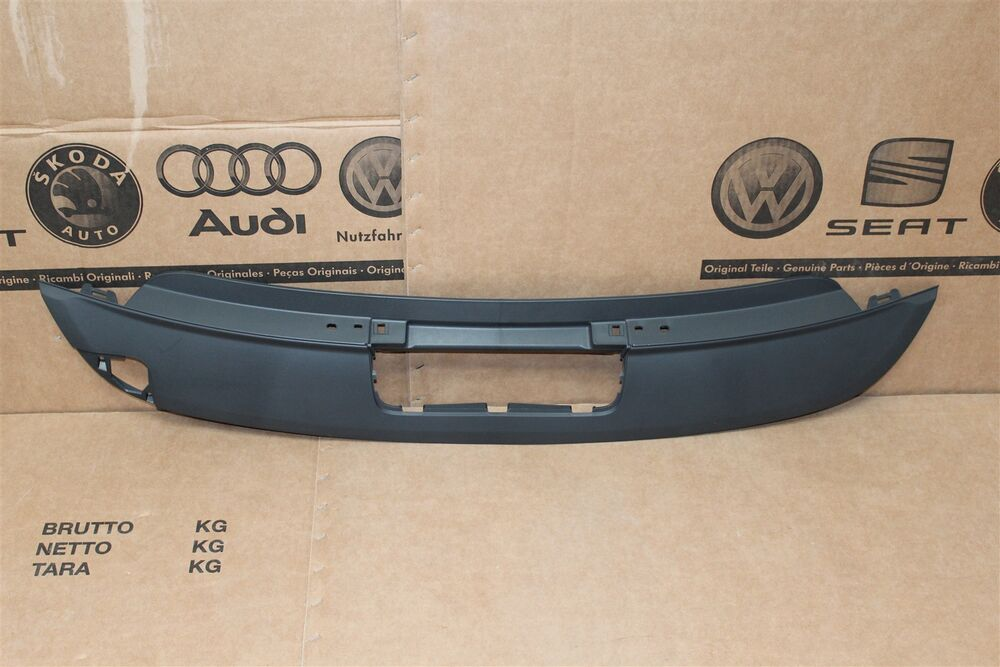 vw golf plus rear bumper trim for detachable towbar. Black Bedroom Furniture Sets. Home Design Ideas