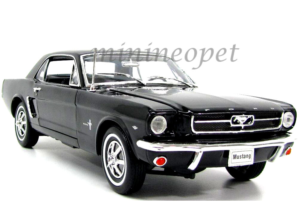 welly 12519 1964 1 2 ford mustang hard top 1 18 diecast. Black Bedroom Furniture Sets. Home Design Ideas