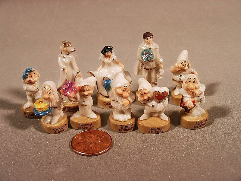 Porcelain Miniatures Snow White And The 7 Dwarfs