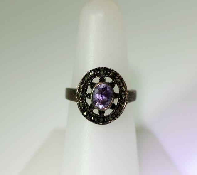 Beautiful Vintage Sterling Silver Amethyst Marcasite Ring Size