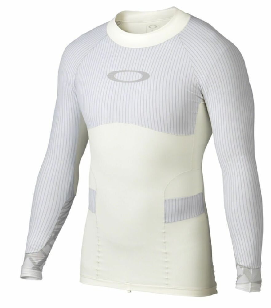 Oakley men 39 s blade compression surf rash guard long sleeve for What is a rash shirt