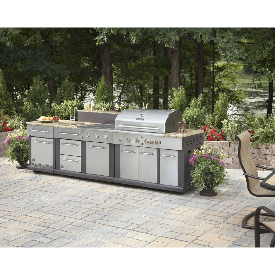 Huge outdoor kitchen bbq grill sink refrigerator for Outdoor kitchen refrigerators built in