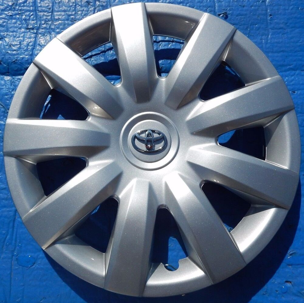 new toyota camry 15 rim wheel cover hubcap 2000 2012 61136 free shipping ebay. Black Bedroom Furniture Sets. Home Design Ideas