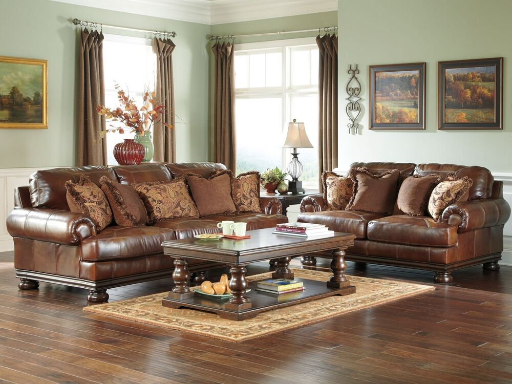 Princeton large traditional genuine leather sofa couch for Traditional living room ideas with leather sofas