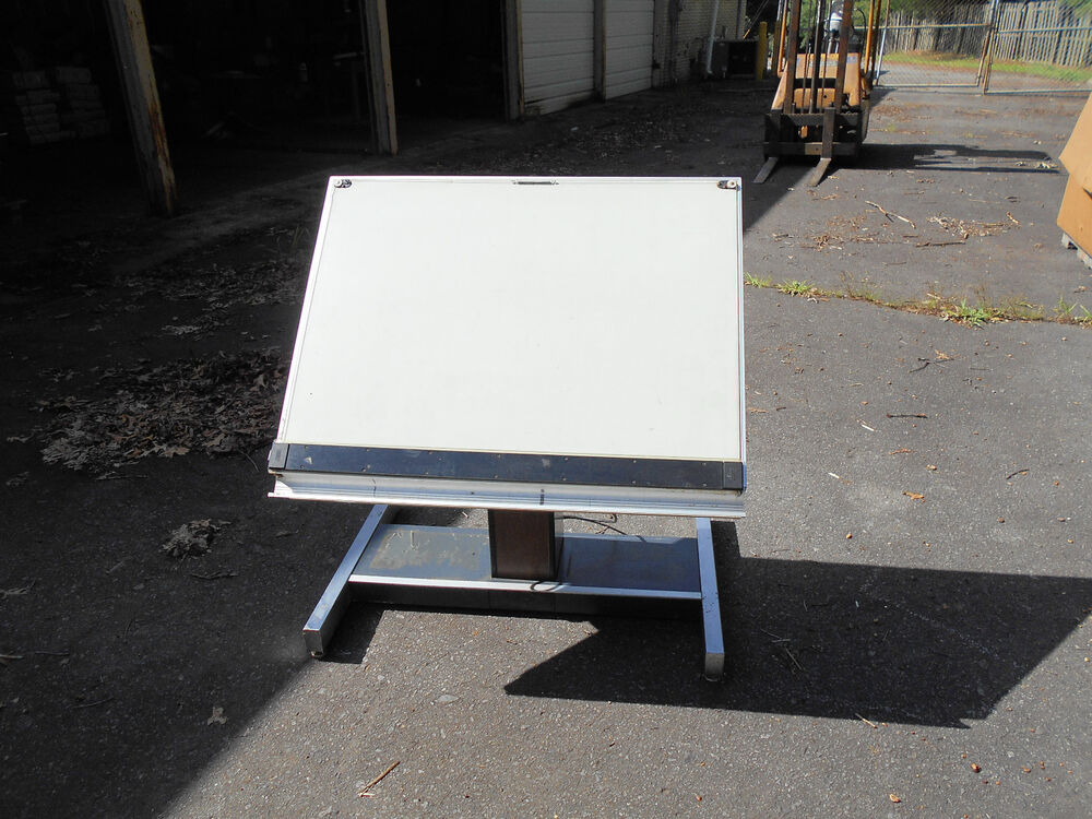 Used Electric Hamilton Ind Drafting Table 28j853 17 84 Ebay