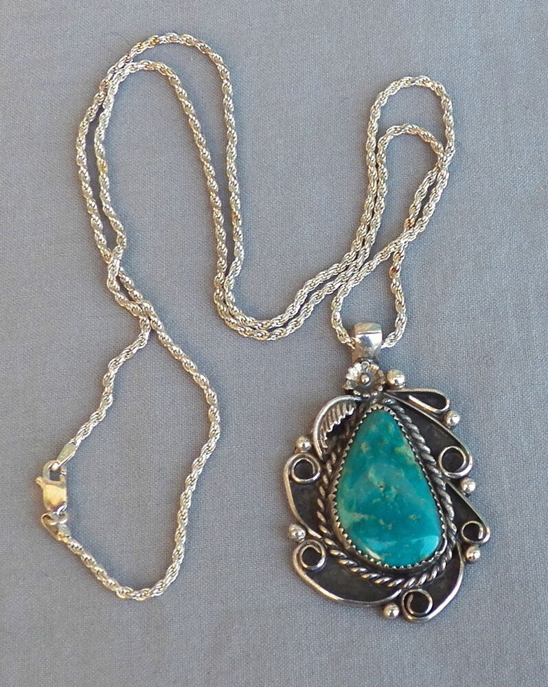 Vintage southwestern native american silver turquoise for Southwestern silver turquoise jewelry