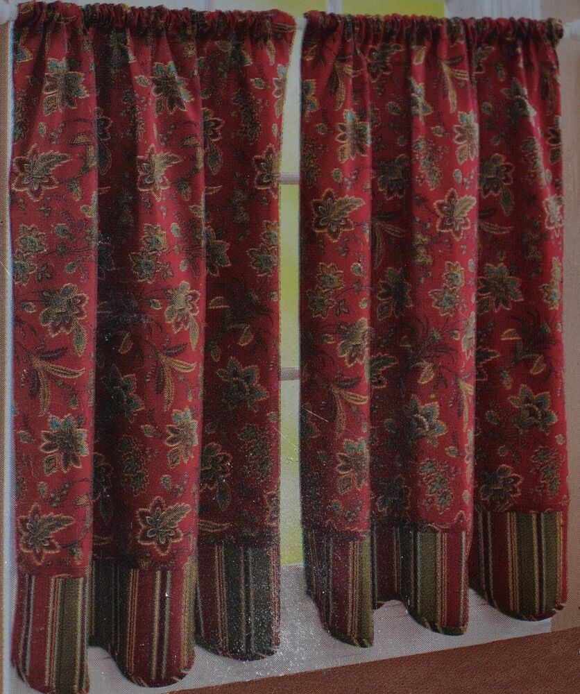 Window Tier Pair~Colonial Flower~Brick Red~Dark Green ...