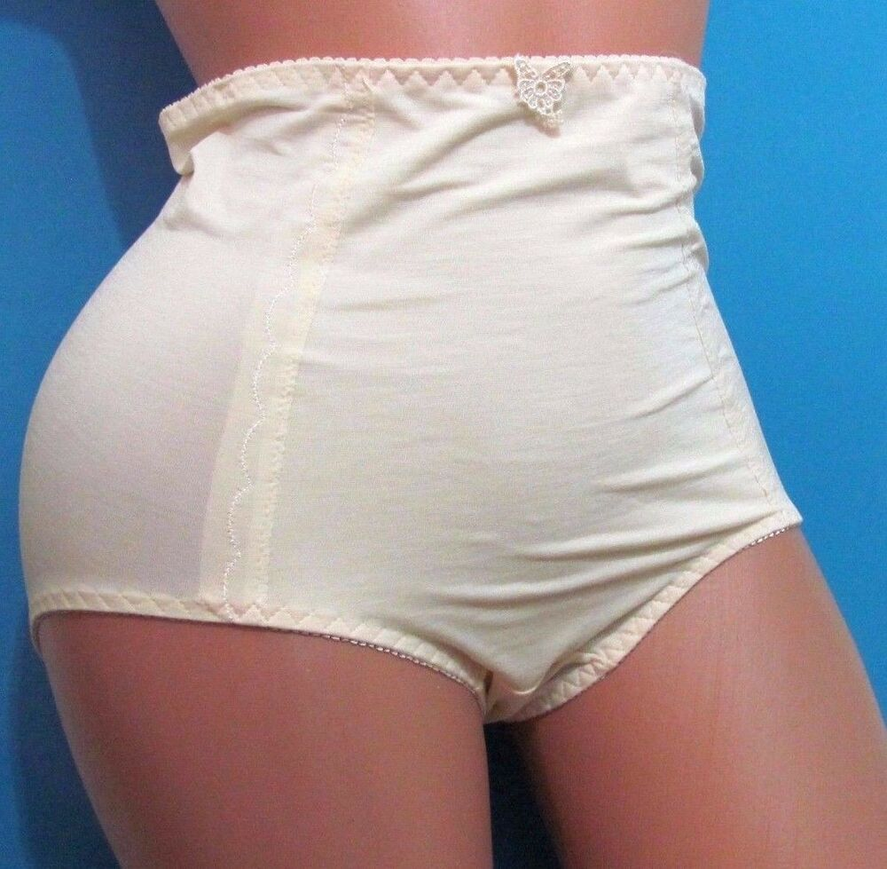 Buy products related to ruched dress products and see what customers say about ruched dress products on qozoq-sex.ml FREE DELIVERY possible on eligible purchases.