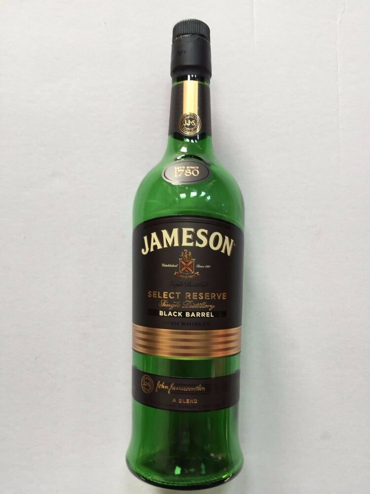 jameson select reserve black barrel irish whiskey bottle. Black Bedroom Furniture Sets. Home Design Ideas