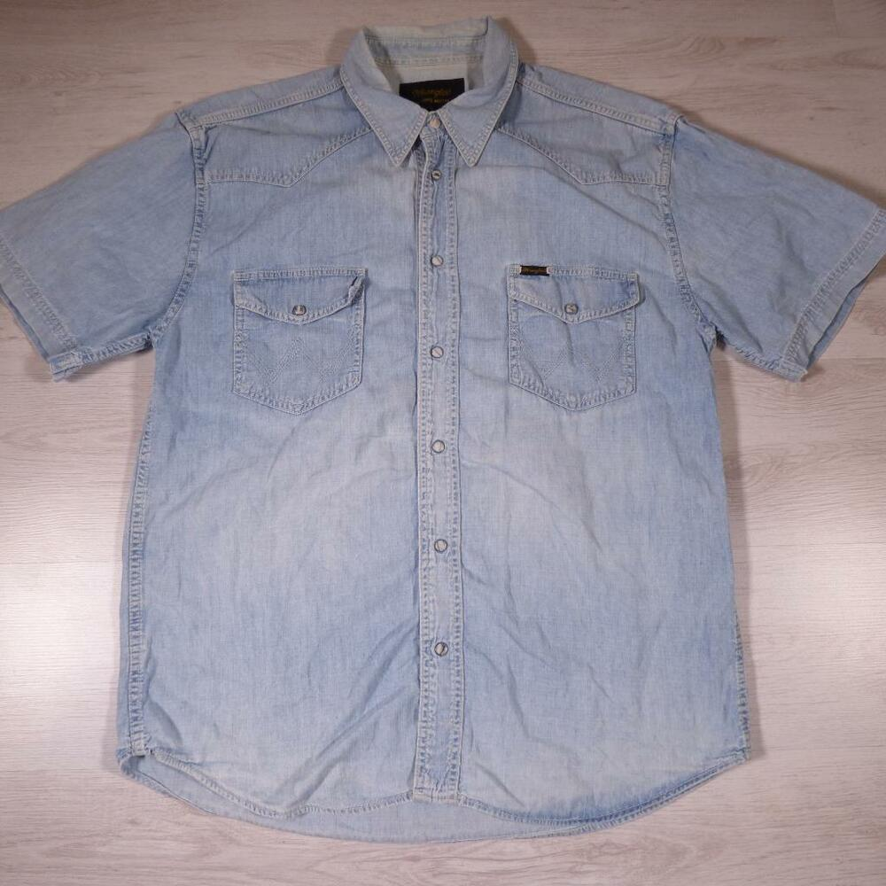 Men 39 s wrangler vintage blue denim shirt snap button for Mens shirts with snaps instead of buttons