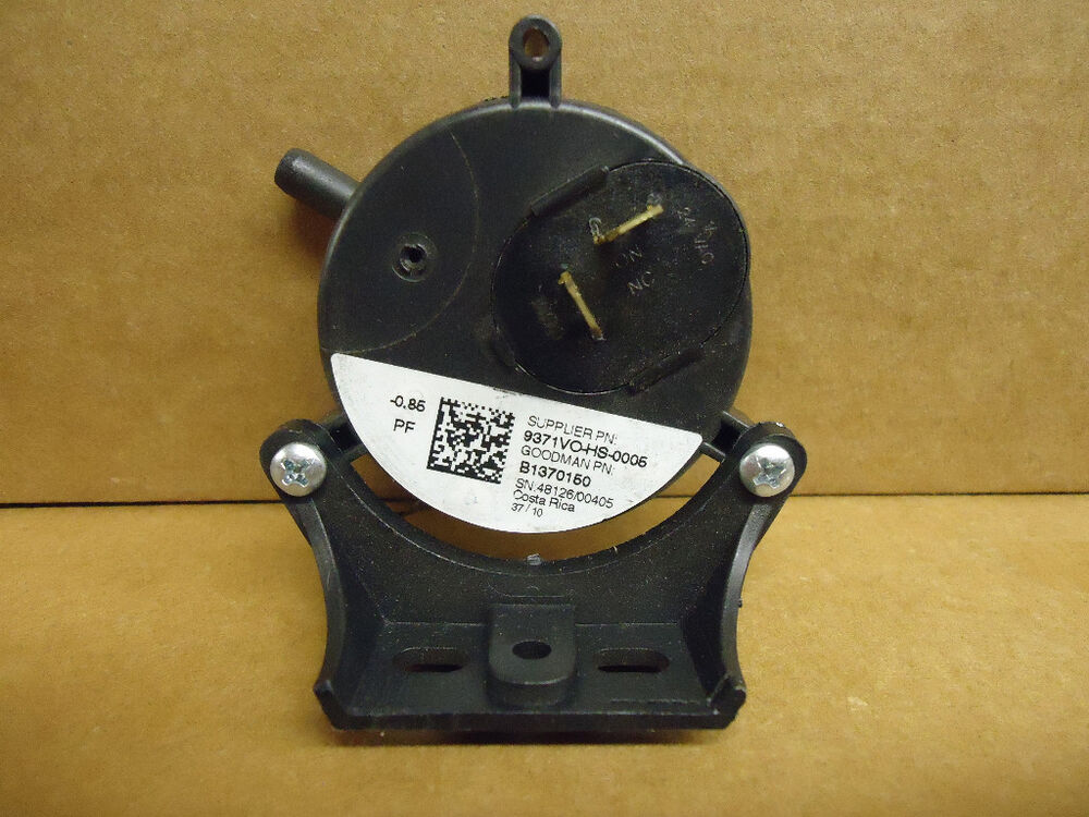 Goodman Amana B1370150 Gas Furnace Air Pressure Switch 0