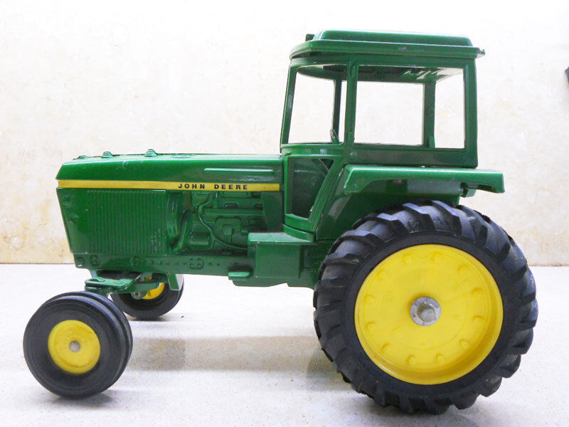 Collectors Vintage John Deere Tractors : Collectible ertl big tractor john deere dyersville iowa u