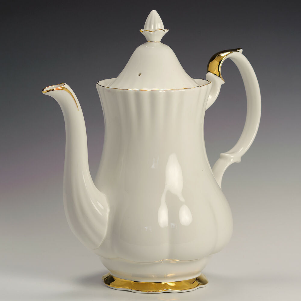 royal albert val d 39 or white gold fine bone china 2 1 4 pt coffee pot cover ebay. Black Bedroom Furniture Sets. Home Design Ideas