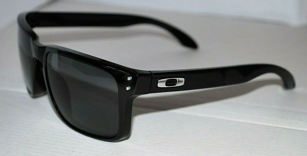 195cb9baf6b Oakley Holbrook Sunglasses OO9102-02 Black  Grey Polarized NEW