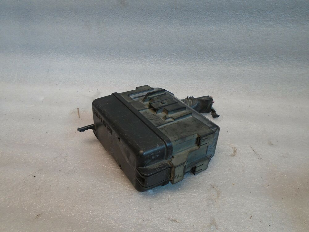 Dk708313 1997 1998 1999 2000 2001 Lexus Es 300 Es300 Fuse And Relay Box Oem