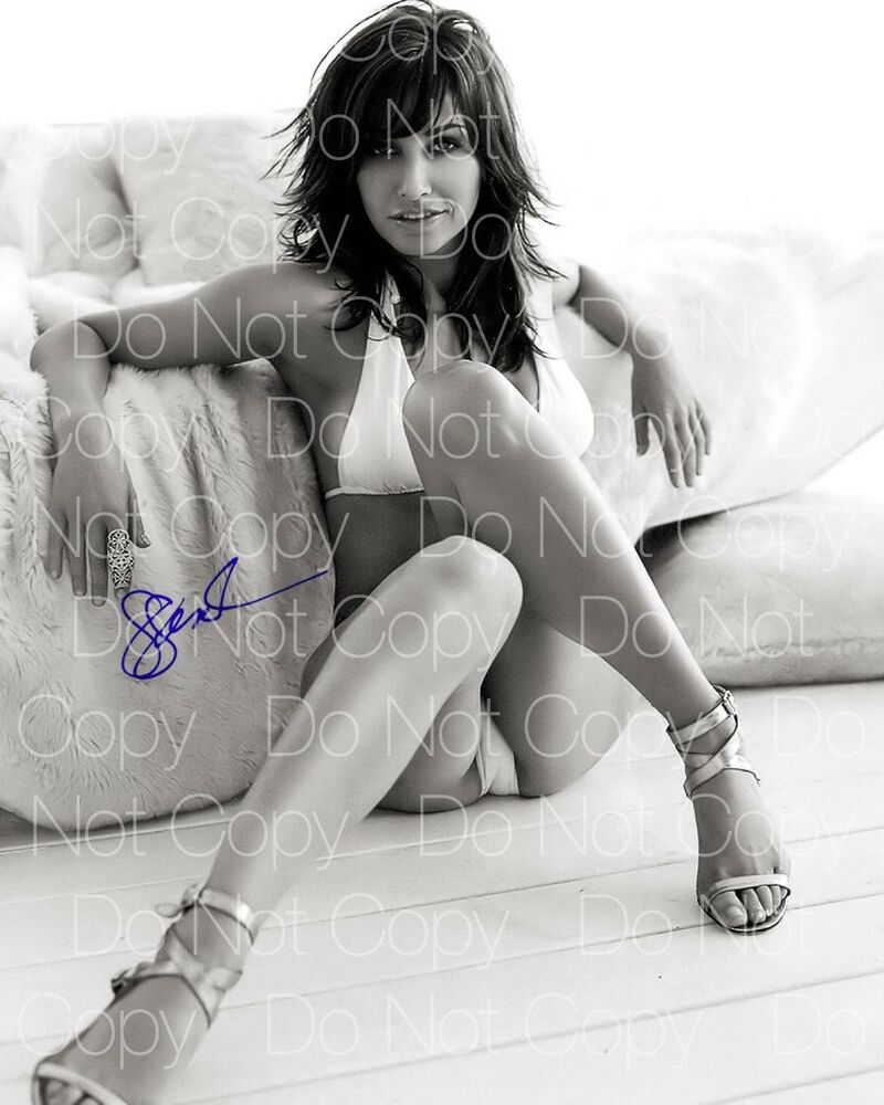 Gorgeous Autograph Signed 8x10 Photo: Gina Gershon Signed Sexy Hot Beautiful 8X10 Photo Picture