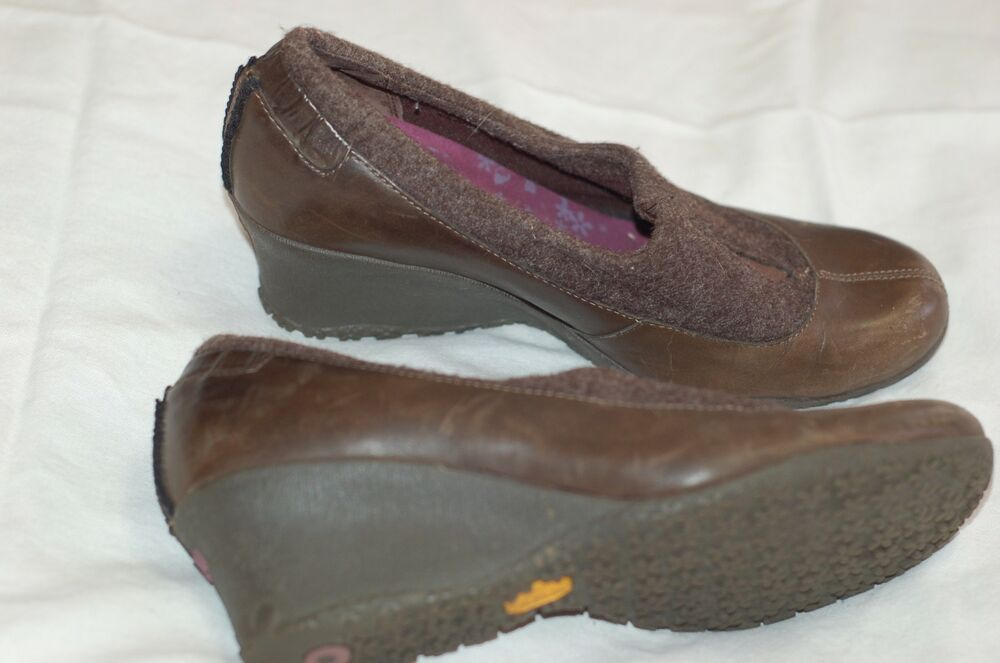 14ddb9e3c8 Details about Merrell Women Wedges Brown Leather Fabric Shoes Size USA 9 UK  6.5