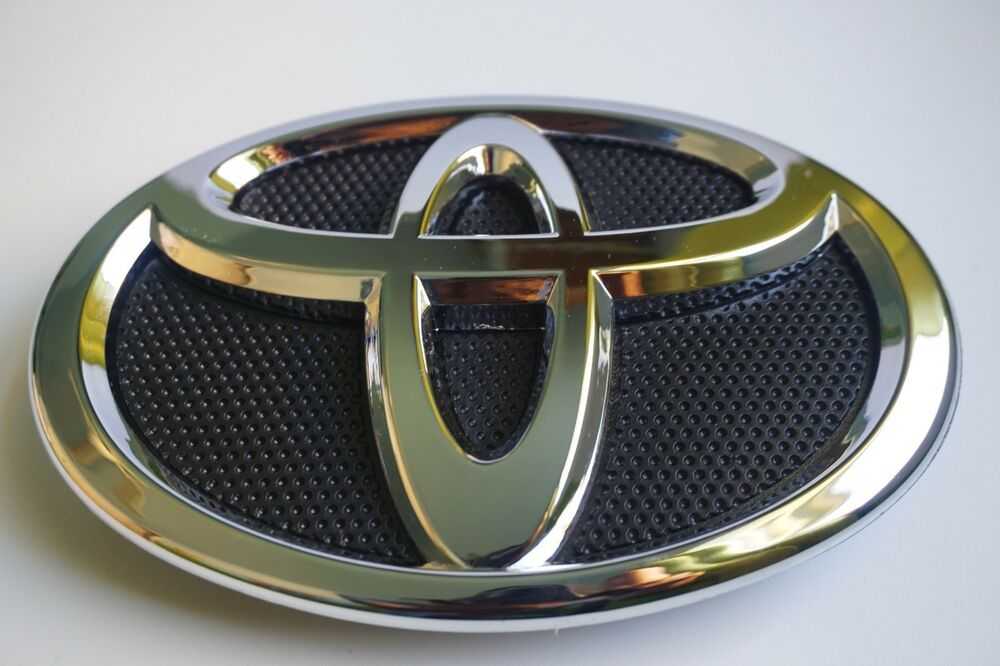 Details About 2007 2008 2009 Toyota Camry 75311 06060 Grille Emblem Hood Grill Black Chrome