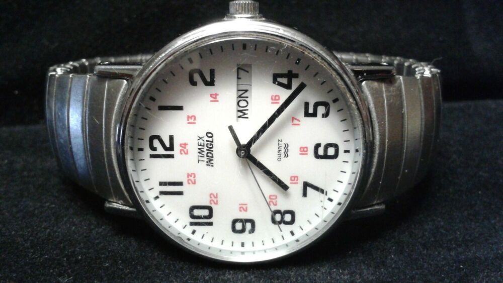 f4fd3d807 Details about Vintage Timex Mens Watch INDIGLO Quartz Water Resistant time day  date Stainless