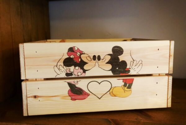 Mickey And Minnie Mouse retro Storage Gift Hamper Wooden Crate Birthday