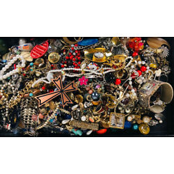 4+ Pounds Vintage to Now Tangled Beads Craft Art Repurpose Jewelry Making Lot #7