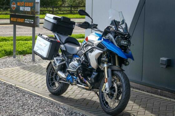 2017 BMW R1200 GS in LUPIN BLUE and LIGHT GREY METALLIC