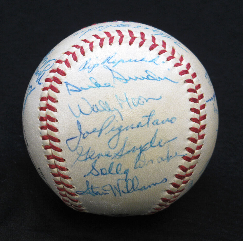 how to tell who signed my baseball