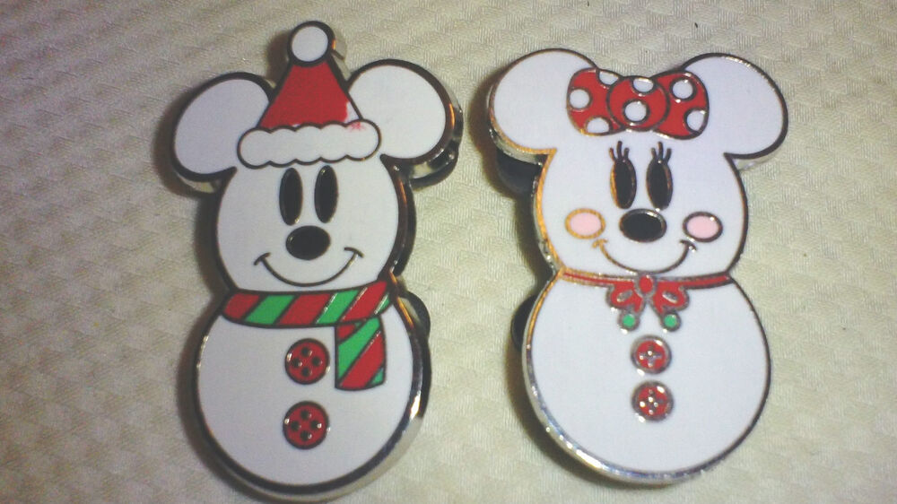 Disney pin mickey mouse and minnie as snowmen