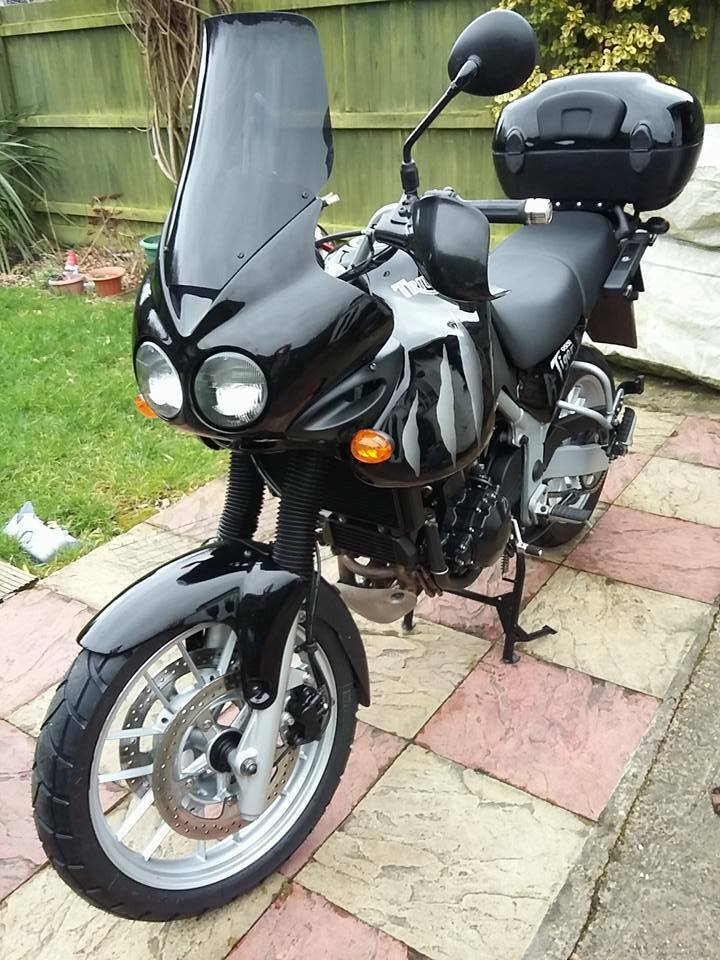 triumph tiger 955i taller touring screen 10cm dark smoke. Black Bedroom Furniture Sets. Home Design Ideas